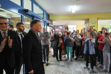 Prezydent z wizytą w szpitalu w Końskich: Wzorcowa reakcja służb.